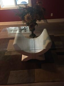 2x White glass coffee table