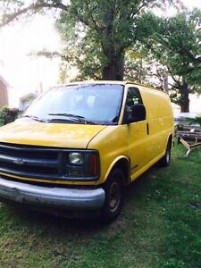 Van Chevy Expeess 2500 2000 5.0L