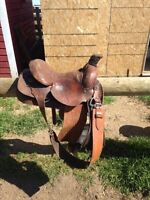 Action company roping saddle