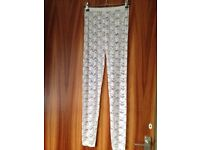 Size s/m white lace leggings Bnwot