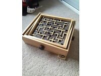 Labrynth maze game