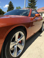 2011 Dodge Challenger 392 SRT8 Coupe (2 door)