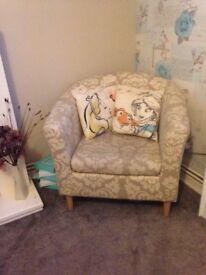 Tub chair like new