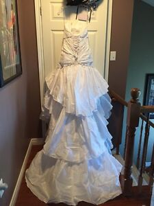 Beautiful wedding Dress ... Must go ASAP!! St. John's Newfoundland image 2