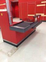 Checkout conveyor