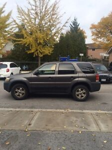 2005 Ford Escape XLT as is