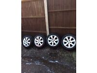 """Corsa c 2005 / combo 15"""" alloys with 185/55/15 very good tyres 07594145438"""