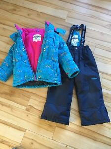 Snowsuit Size 5 Kingston Kingston Area image 1