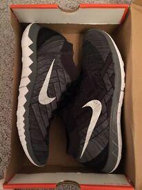 Men's Nike Flyknit 3.0 trainers size 11