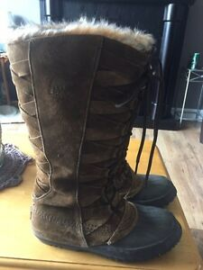 Woman's Sorel Boots size 9 feel like 9.5