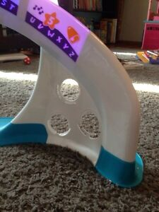 Fisher price stand up/musical toy Sarnia Sarnia Area image 3