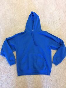 Comfy sweaters size medium  London Ontario image 2