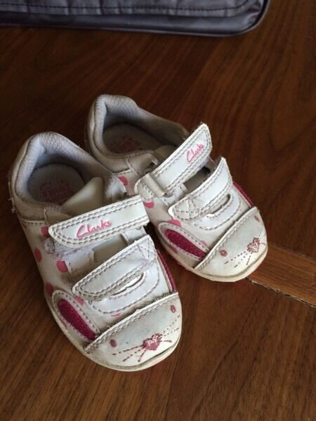 Clarks toddler girl shoes
