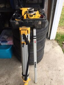 18V Self Leveling Int/Ext Rotary Laser Package Prince George British Columbia image 3