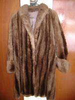 Manteau de fourrure de chat sauvage rasé vintage