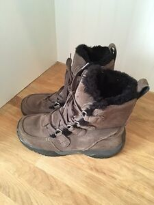 Columbia boots women's 7.5
