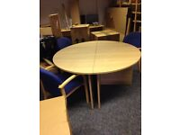Meeting table +chairs