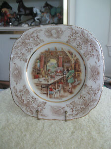 BEAUTIFUL VINTAGE MADE-in-ENGLAND IVORY WARE DECORATIVE PLATE