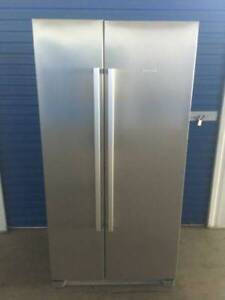FRIDGE/FREEZER- BOSCH 618L STAINLESS (DELIVERY AVAILABLE)