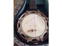Old Mandolin Ukulele Banjo typ (4 stinged guitar) and CASE