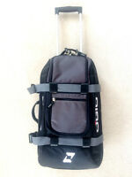 OGIO TRAVEL BAG (Only Used Once) Reg.159.99   FEATURES:   Custom
