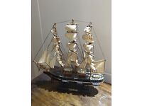 Curry Sark & HMS Victory model boat set