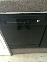 GE Dishwasher, Pre-owned UC6747-5