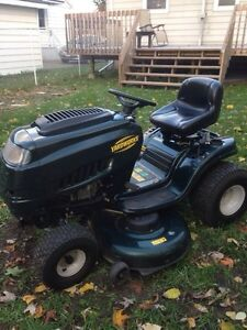 """2014 17.5hp 46"""" deck lawn tractor"""