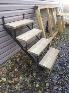 Stairs - outdoor/deck