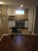 Laminate and Tile Installer