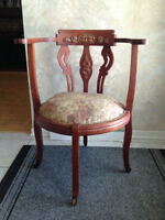 Superbe Chaise *** ANTIQUE *** Round Back Chair