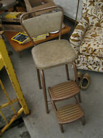 ***  Chaise escabot vintage ***