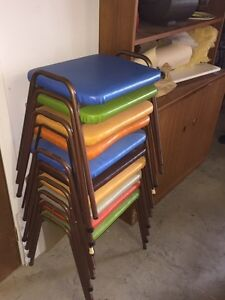 10 stackable stools