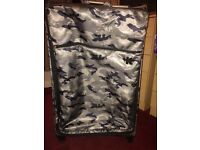 Large IT Lightweight Suitcase