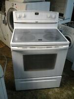 Cuisinière Vitro-Céramique Blanche de marque Whirlpool $200