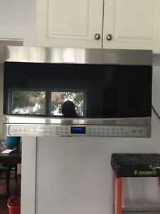 Kenmore elite stainless steel over the stove microwave