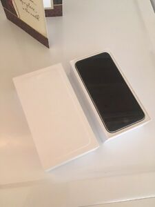 MINT IPHONE 6 plus black 16g