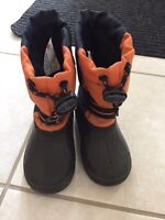 Kids snow boots / winter boots size 7