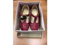 Girls Shoes, size 6, vintage freesteps