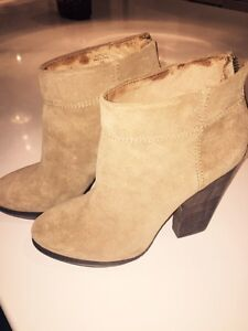 Adrian Tan Modern Vintage Suede boot - size 9
