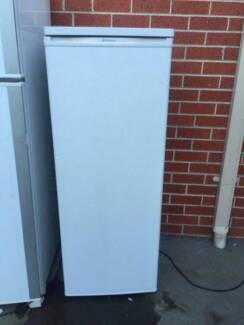 Great working 239 liter whirlpoll fridge only (no freezer ), can