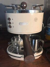 De'Longh Vintage Icona coffee machine