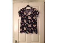 Dorothy Perkins navy floral top size 10