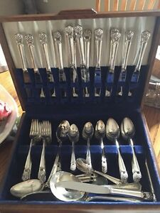 Rogers Brothers Cutlery Set