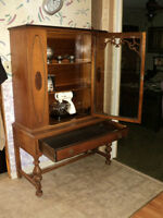 Table, Chairs, Hutch & Buffet