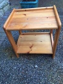 SolidWood side table very good condition