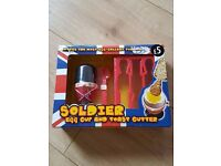 Soldiers egg cup and toast cutter NEW