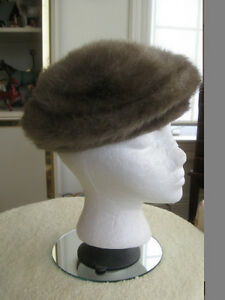 CLASSY OLD VINTAGE FAUX-FUR FULLY LINED LADY'S HAT ['50's]