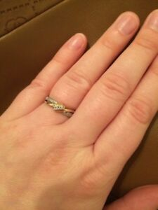 WHITE GOLD PROMISE RING size 7