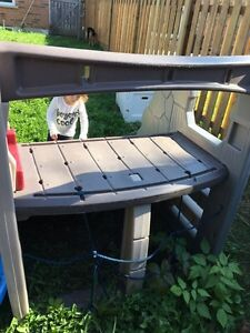Outdoor play area, great for kids  Kitchener / Waterloo Kitchener Area image 3